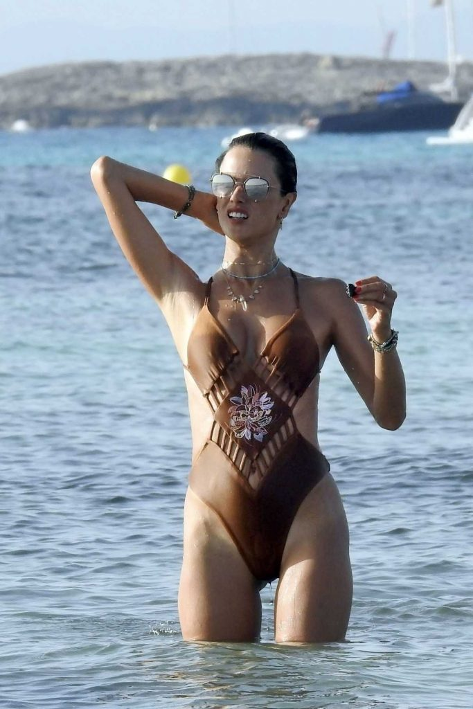 Alessandra Ambrosio Wears a Swimsuit at the Beach in Formentera 07/11/2017-1