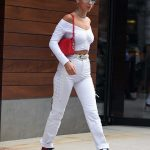 Bella Hadid Leaves Her Sister's Apartment in New York City 07/20/2017-2