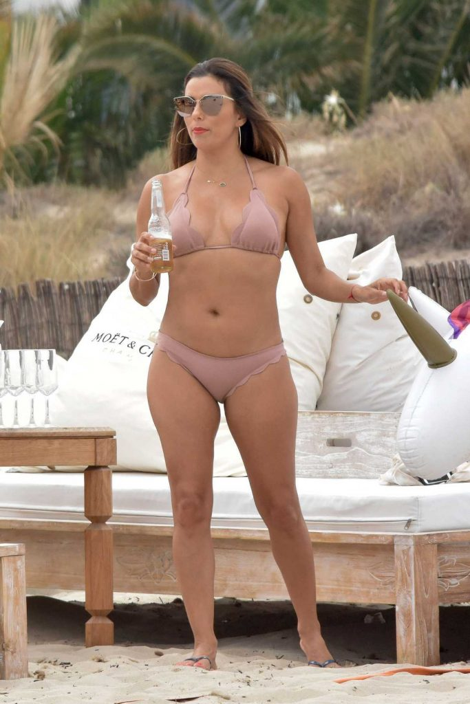 Eva Longoria Shows off Her Bikini Body on the Beach in Ibiza 07/20/2017-1