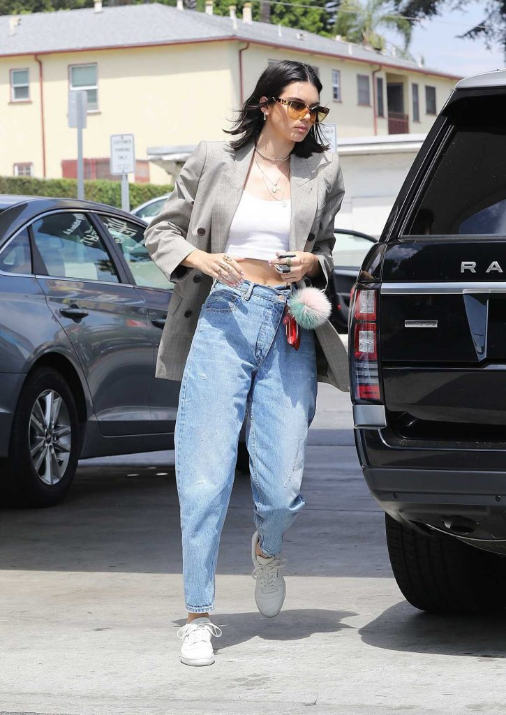 Kendall Jenner Was Seen at the Gas Station in Beverly Hills 07/15/2017-1