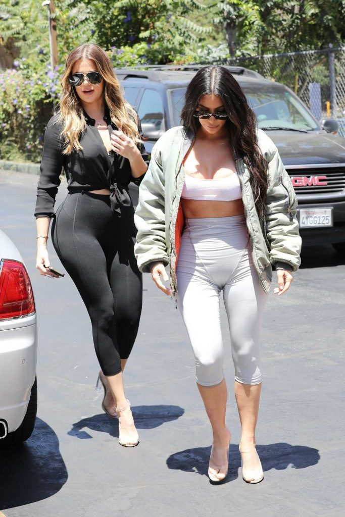 Kim Kardashian and Khloe Kardashian Filming Their Reality Show at Chin Chin Restaurant in Studio City 07/26/2017-1