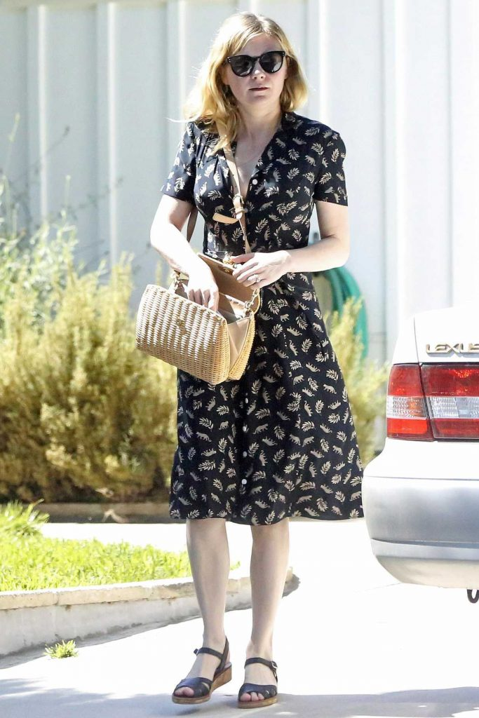 Kirsten Dunst Was Seen Out in Toluca Lake 07/18/2017-1