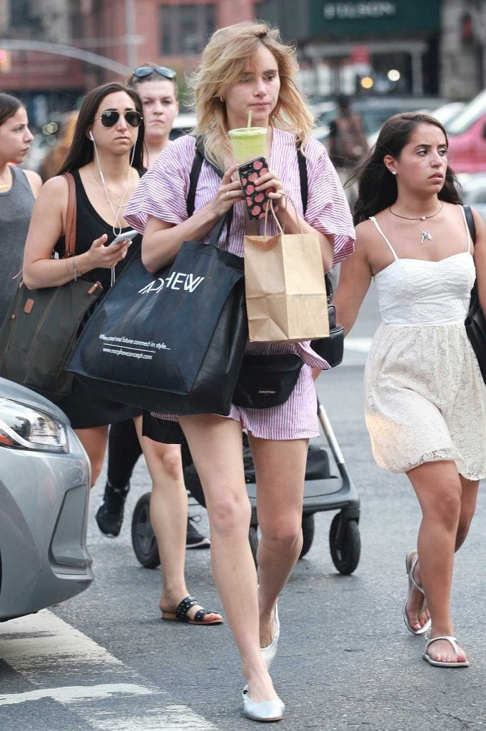 Suki Waterhouse Goes Shopping in New York 07/20/2017-1