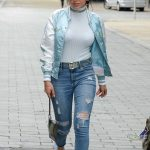 Charli XCX Leaves BBC Breakfast Studio at Media City in Manchester 08/01/2017-4