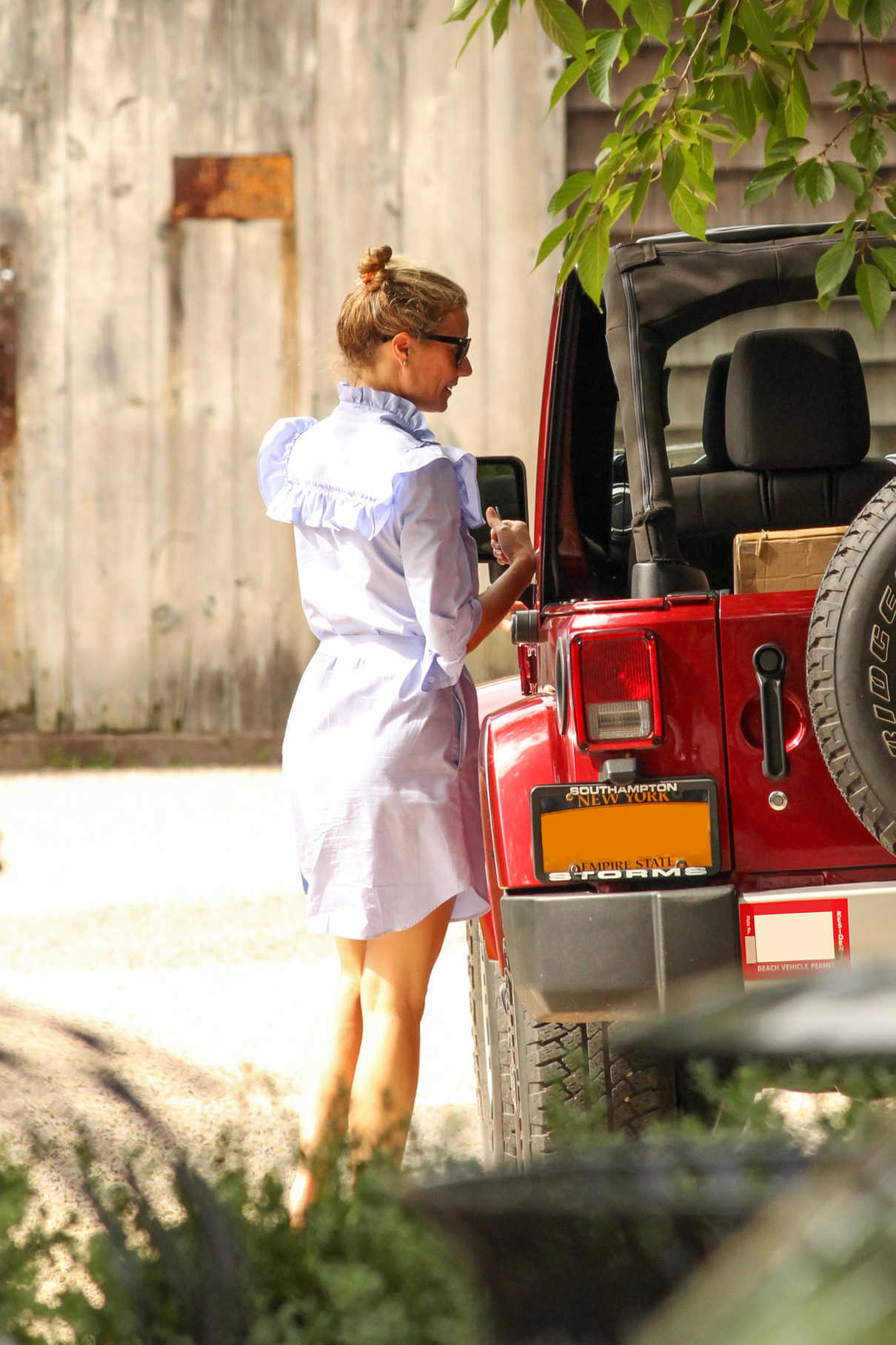 Gwyneth Paltrow Was Seen Out in Hamptons 08/08/2017-4