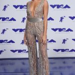 Hailey Baldwin at the 2017 MTV Video Music Awards in Los Angeles 08/27/2017-2