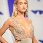 Hailey Baldwin at the 2017 MTV Video Music Awards in Los Angeles 08/27/2017-5