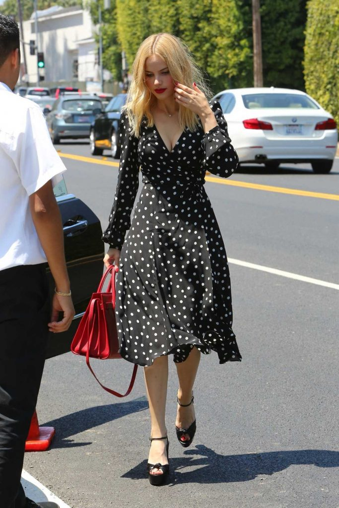 Halston Sage Attends InStyle's Day of Indulgence Party in Brentwood 08/13/2017-1