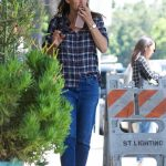Jennifer Garner Was Seen Out in Brentwood 08/21/2017-3