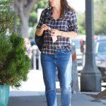 Jennifer Garner Was Seen Out in Brentwood 08/21/2017-4