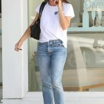Jennifer Garner Was Seen Out in Santa Monica 08/14/2017-2