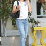 Jennifer Garner Was Seen Out in Santa Monica 08/14/2017-4