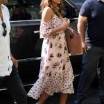 Jessica Alba Heading Into a Bakery in New York City 08/03/2017-2