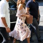 Jessica Alba Heading Into a Bakery in New York City 08/03/2017-3