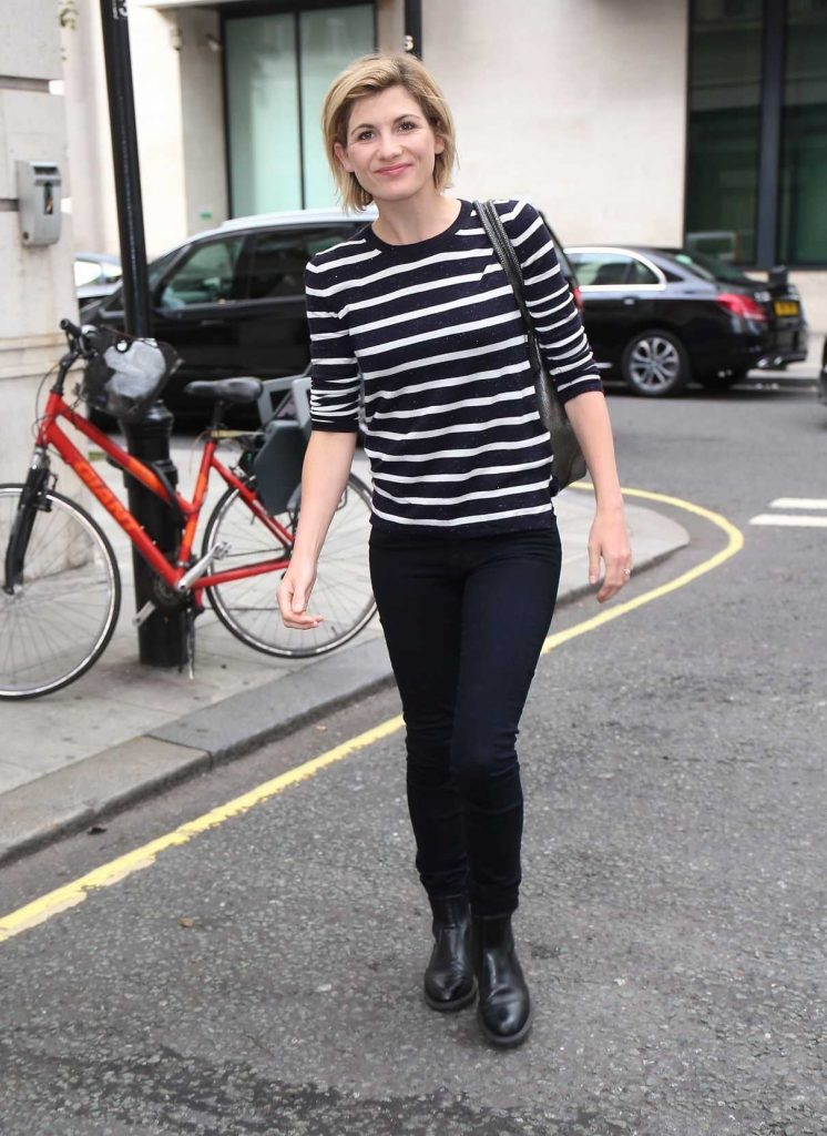 Jodie Whittaker Arrives at the BBC Radio Studios in London 08/12/2017-1