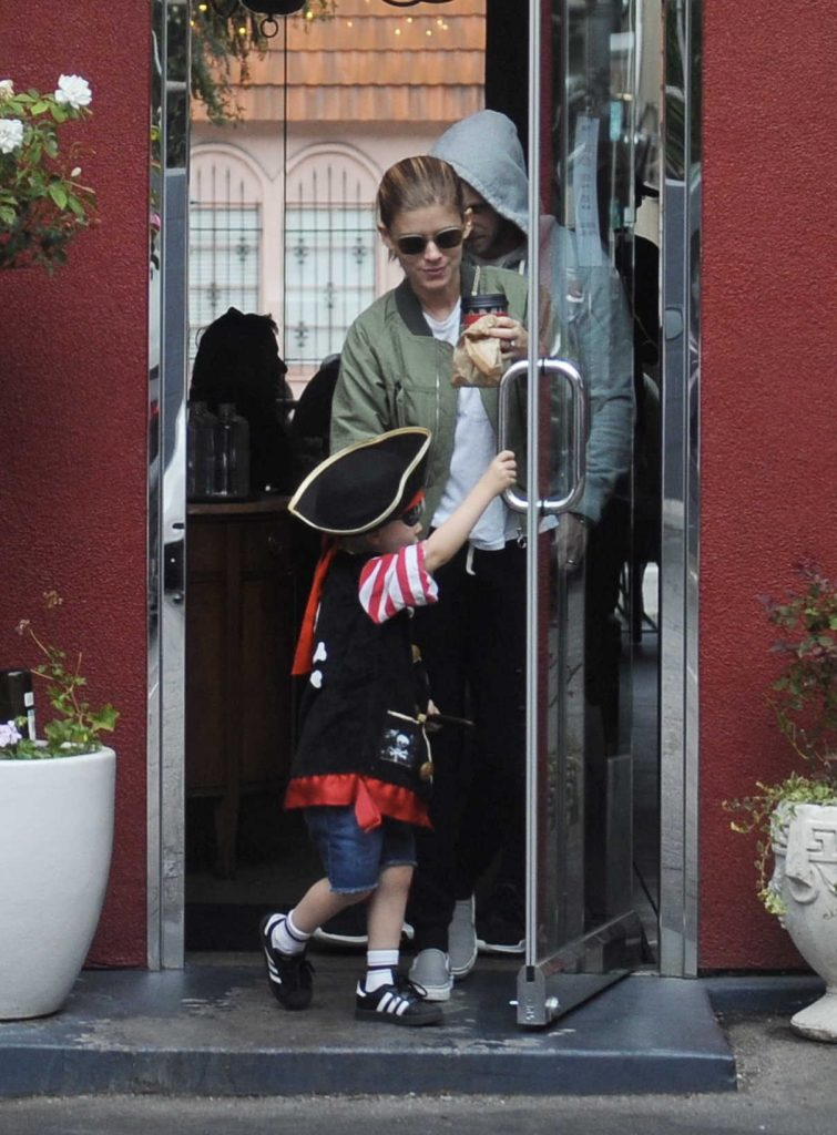 Kate Mara Was Spotted at LA Mill Coffee With Jamie Bell and His Son in LA 08/15/2017-1