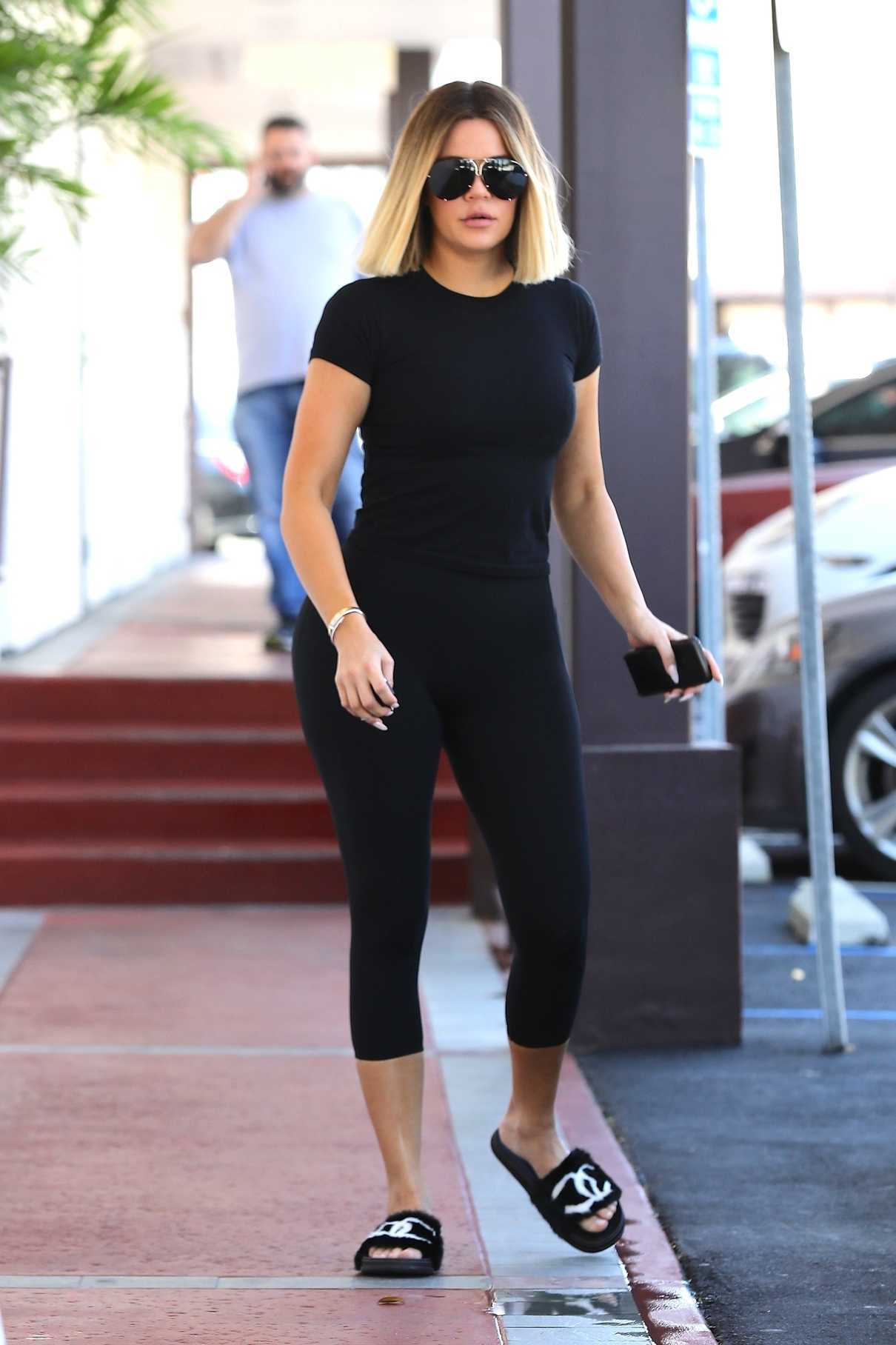 Khloe Kardashian Heads to a Laser Clinic in Los Angeles 08/11/2017-3