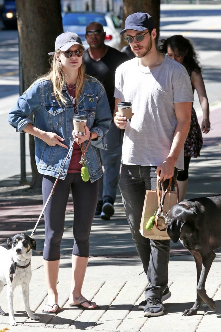 http://lacelebs.co/wp-content/uploads/2017/08/melissa-benoist-walks-her-dogs-with-chris-wood-in-vancouver-08-26-2017-1-768x1152.jpg