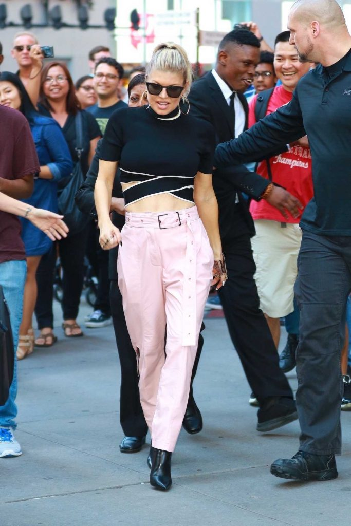 Fergie Arrives at the H&M Store in Time Square in New York 09/22/2017-1