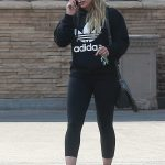 Hilary Duff Chats on the Phone in Studio City 09/08/2017-2