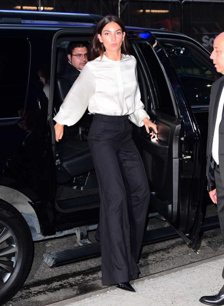 Lily Aldridge Arrives at ABC Studios in NYC 09/12/2017-1