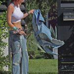 Bella Thorne Leaves a Studio in Los Angeles 10/18/2017-4