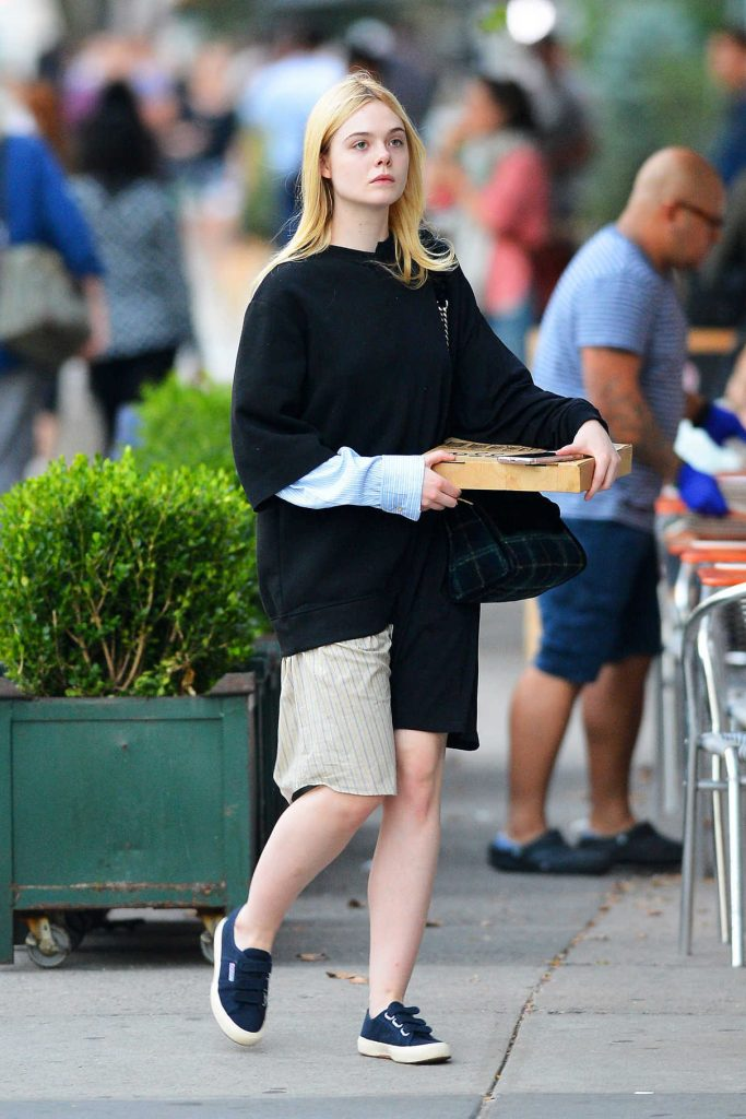 Elle Fanning Was See Out on a Pizza Run in NYC 10/05/2017-1
