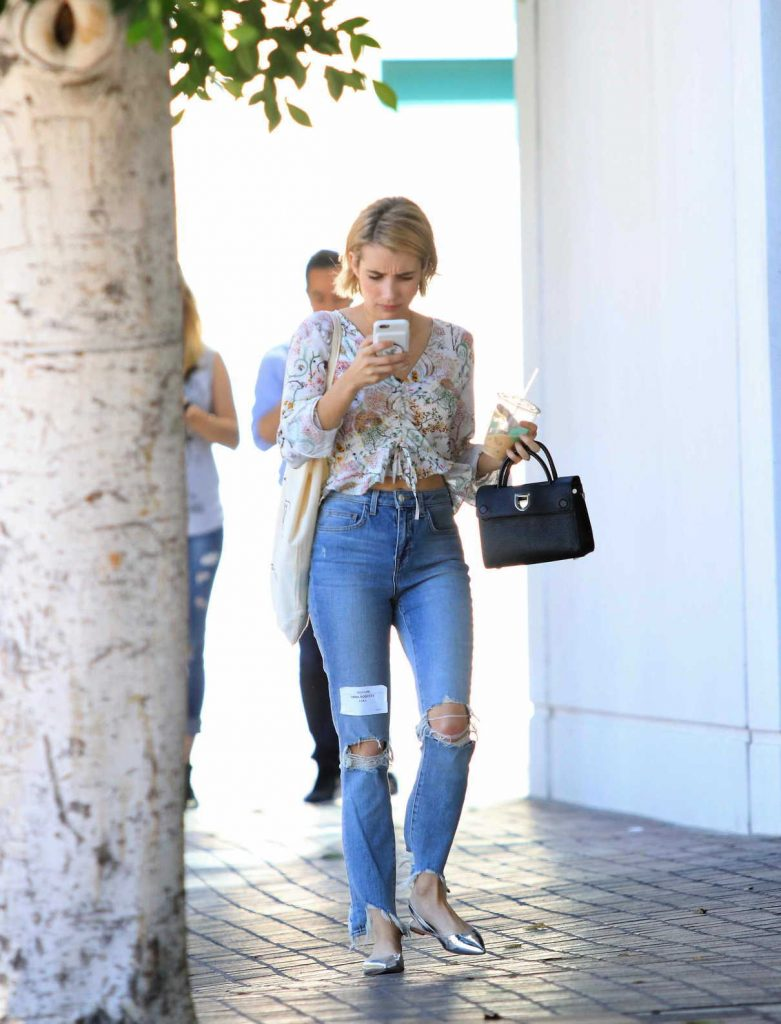 Emma Roberts Leaves an Office Building in LA 09/29/2017-1