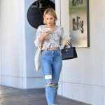 Emma Roberts Leaves an Office Building in LA 09/29/2017-2