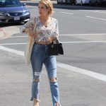 Emma Roberts Leaves an Office Building in LA 09/29/2017-3