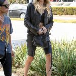 Hailey Baldwin Was Seen Out in Beverly Hills 10/17/2017-4