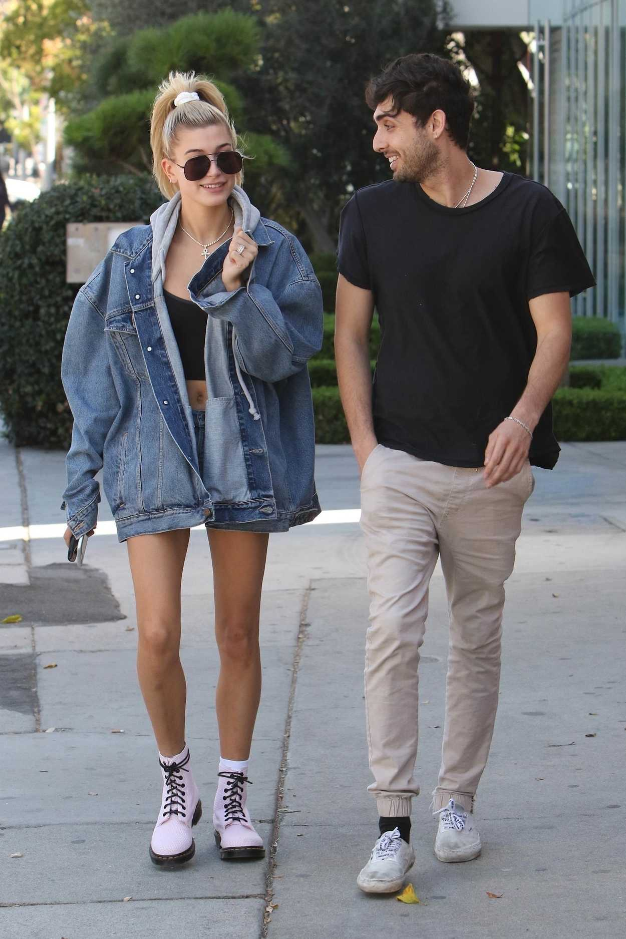 Hailey Baldwin Was Seen With a Friend on Melrose in Los Angeles 10/10/2017-3
