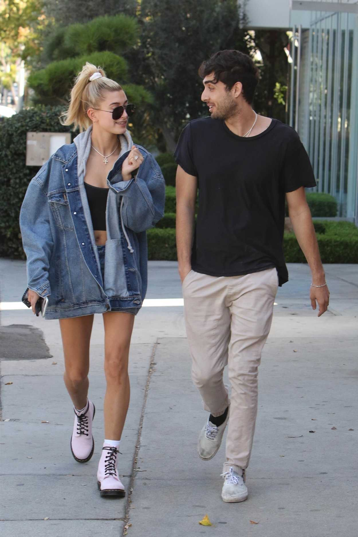 Hailey Baldwin Was Seen With a Friend on Melrose in Los Angeles 10/10/2017-4