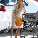 Halle Berry Was Seen at Bristol Farms in Los Angeles 10/09/2017-3