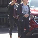 Hilary Duff Grabs a Meal at Katsuya With a Friend 10/09/2017-3