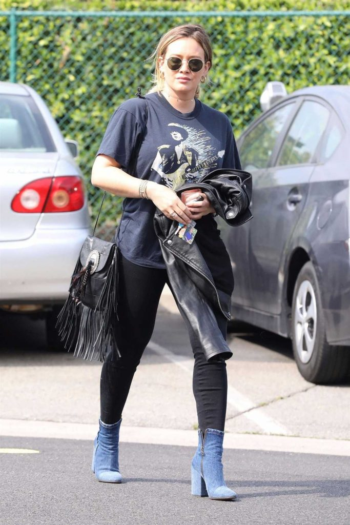 Hilary Duff Was Spotted Out in Beverly Hills 10/19/2017-1