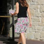 Jennifer Garner Arrives at Church in Pacific Palisades 10/15/2017-5