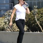 Jennifer Garner Was Seen Out in Pacific Palisades 10/08/2017-3
