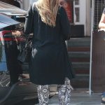 Jessica Alba Makes a Stop at Urth Caffe in Beverly Hills 10/01/2017-4
