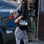 Jessica Alba Makes a Stop at Urth Caffe in Beverly Hills 10/01/2017-5