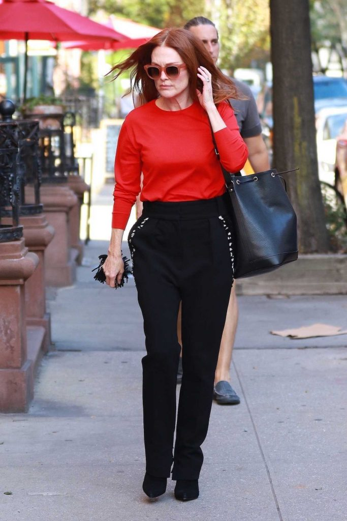 Julianne Moore Was Spotted Out in New York City 10/10/2017-1