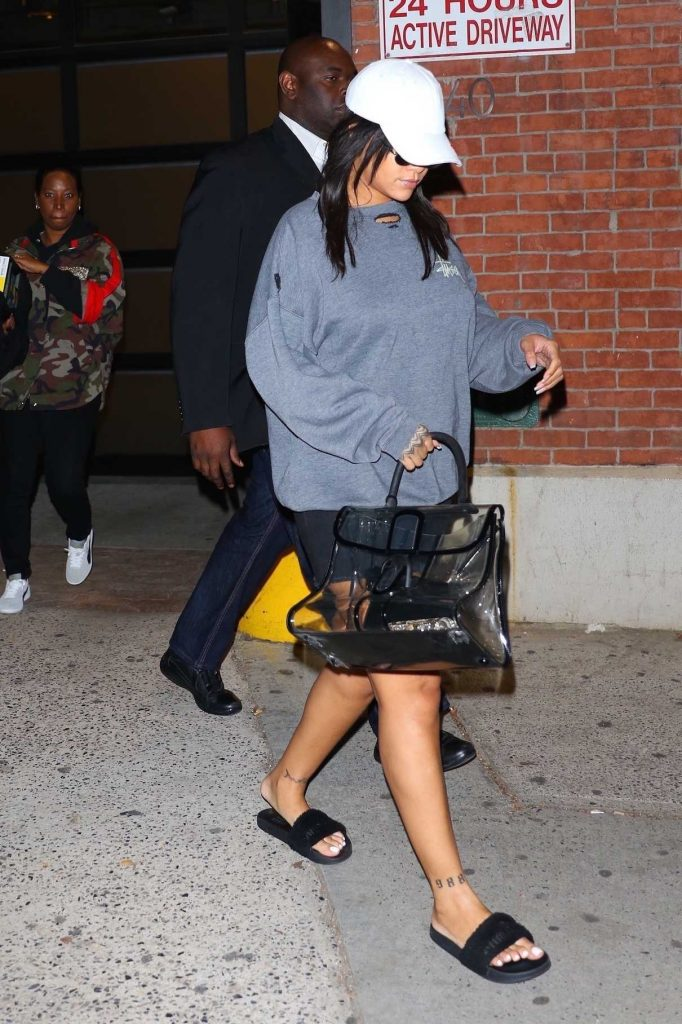 Rihanna Was Seen Out in New York City 10/19/2017-1