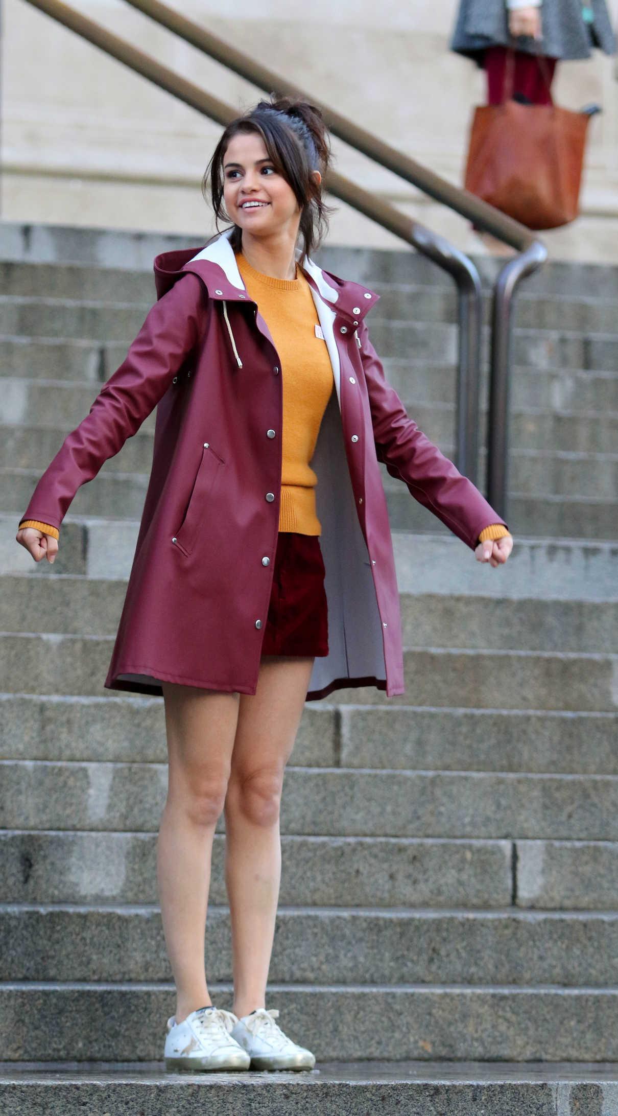 Selena Gomez on the Set of New Woody Allen Film in NYC 10/04/2017-4