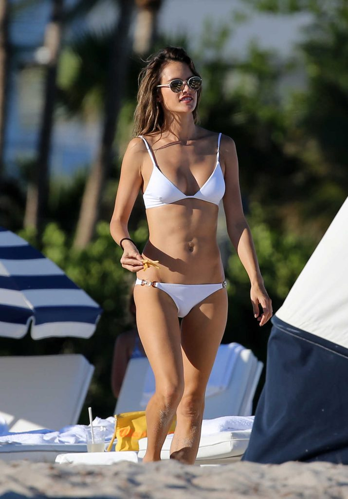 Alessandra Ambrosio in Bikini at the Beach in Miami 11/07/2017-1