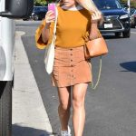 Busy Philipps Goes Shopping in Beverly Hills 11/08/2017-5