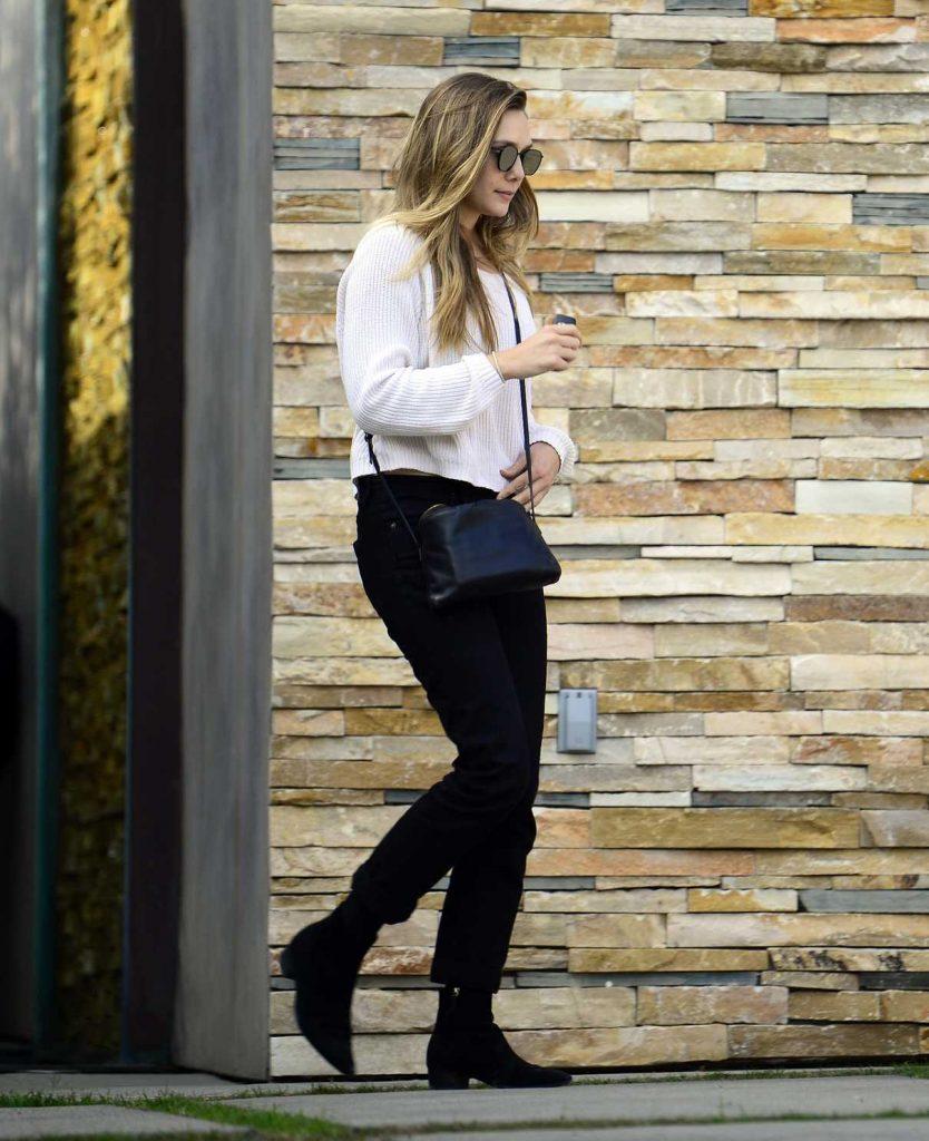 Elizabeth Olsen Leaves the Shape House Urban Sweat Lodge in LA 11/14/2017-1