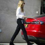 Elizabeth Olsen Leaves the Shape House Urban Sweat Lodge in LA 11/14/2017-5