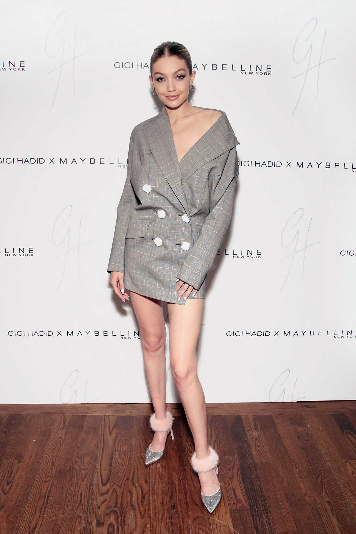 Gigi Hadid Attends the Gigi Hadid x Maybelline New York International Launch Party in NYC 11/03/2017-5