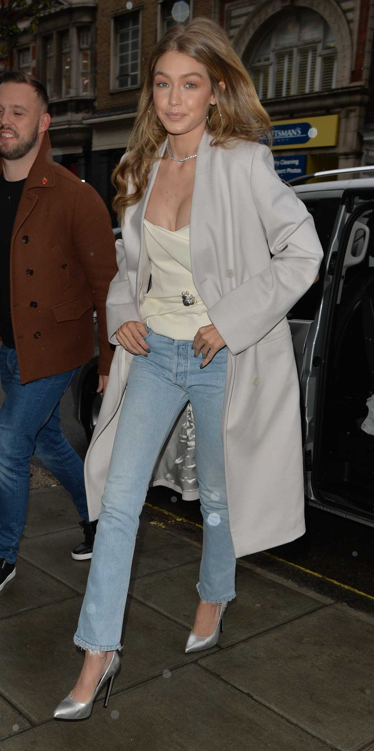 Gigi Hadid Was Seen Out in London 11/07/2017-2