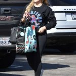 Hilary Duff Out Shopping in Studio City 11/11/2017-3